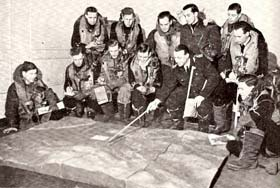 Briefing of bomber pilots